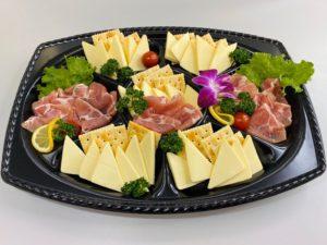 生ハムとチーズの盛り合わせ 3,800円